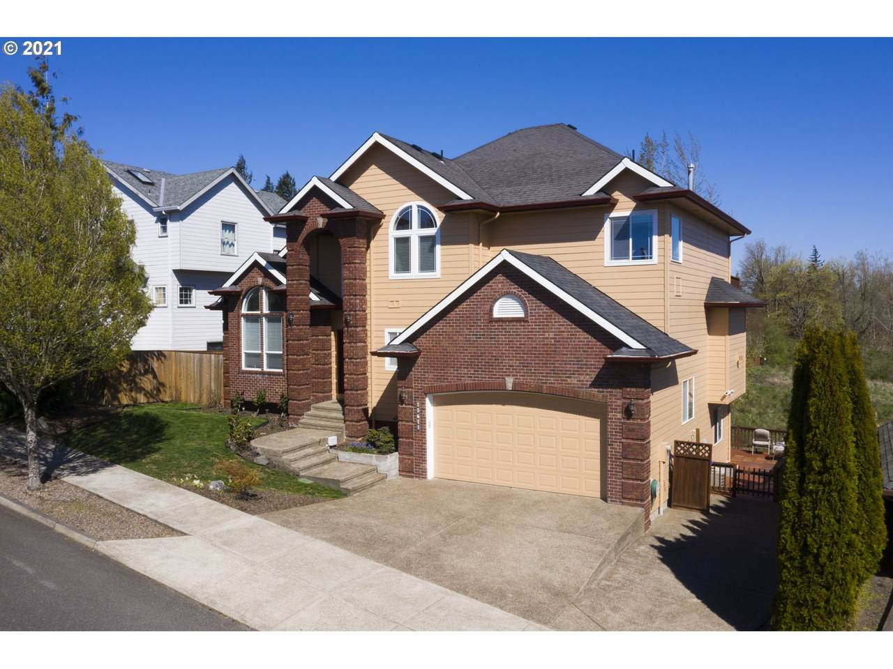15611 Bybee Dr - Photo 1