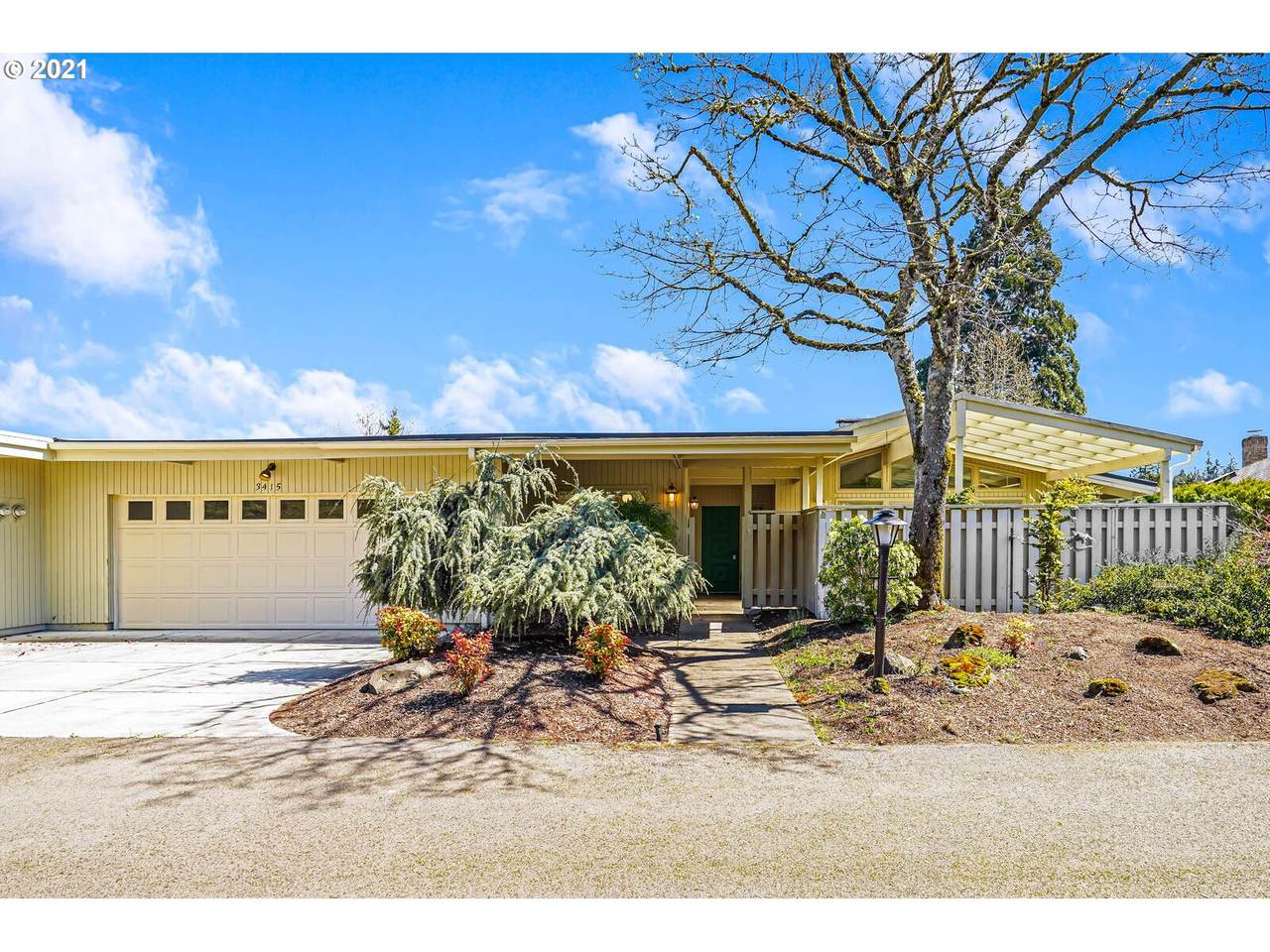 3415 Country Club Dr - Photo 1