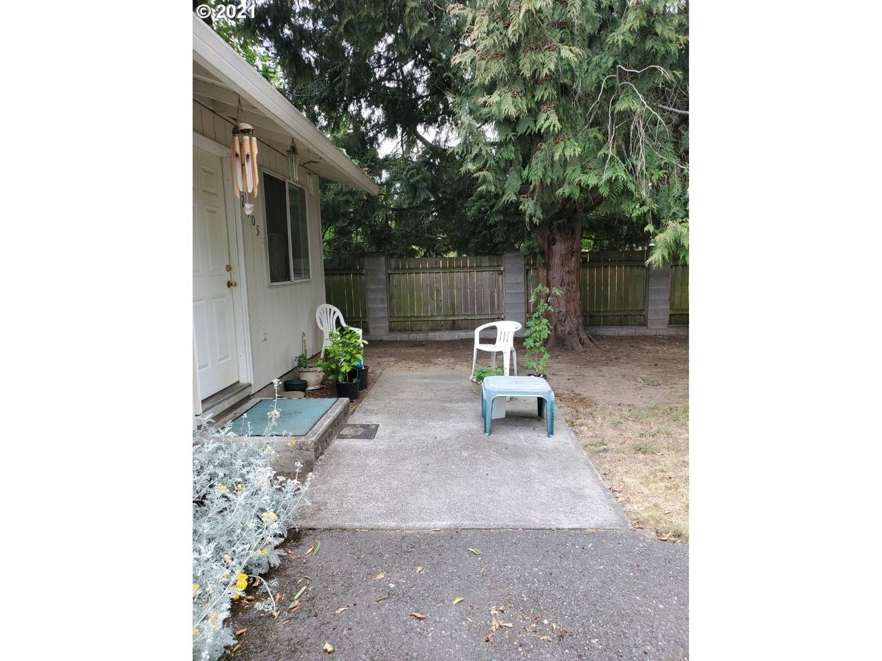 2405 90th Ave - Photo 1