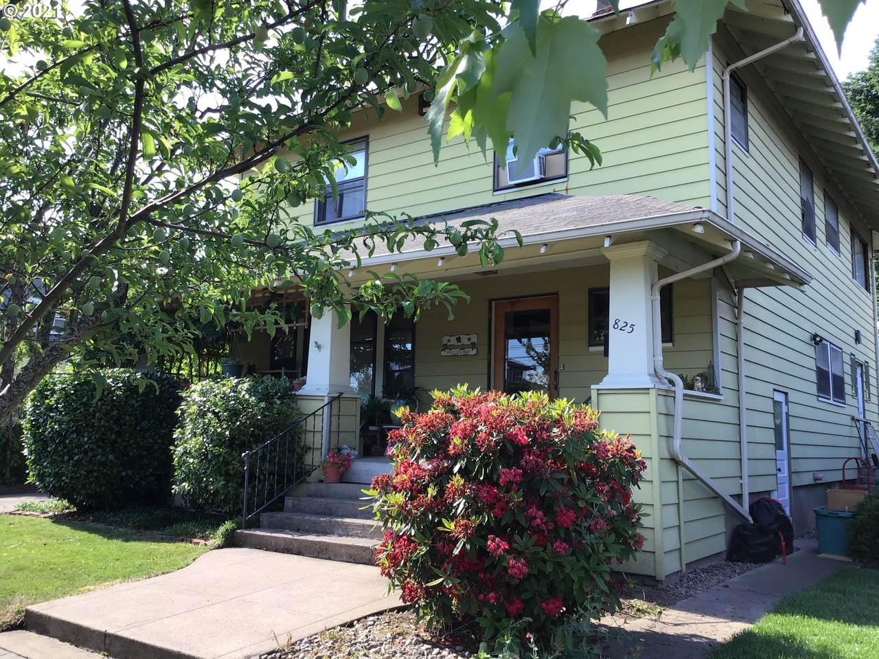 825 7TH Ave - Photo 1