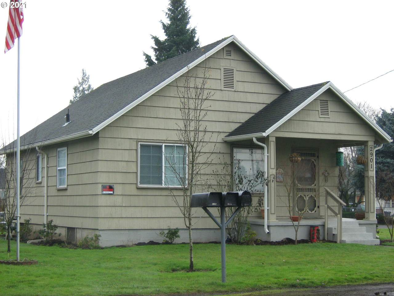 2901 Fairmount Ave - Photo 1
