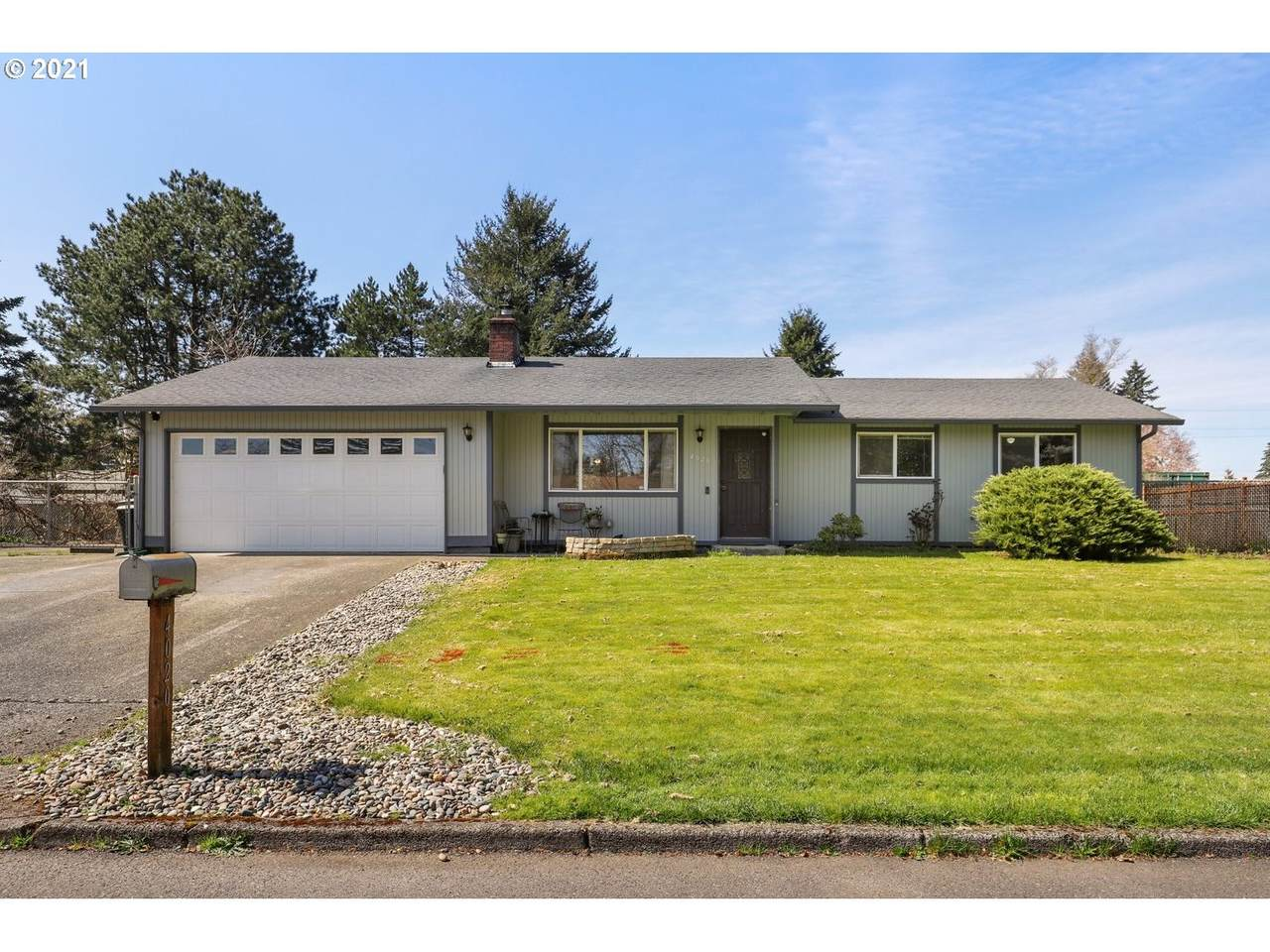 4020 139TH Ave - Photo 1