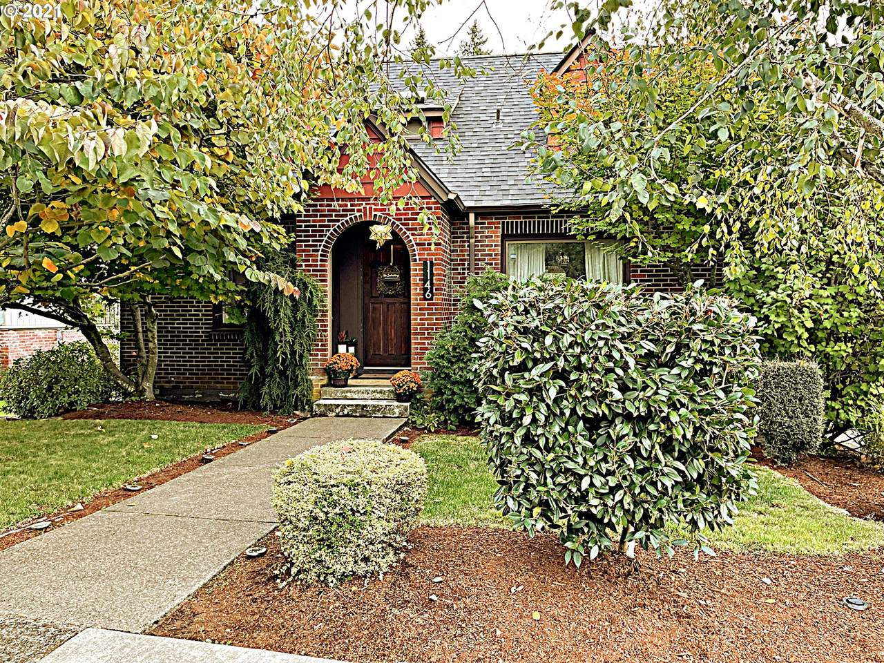1146 4TH Ave - Photo 1