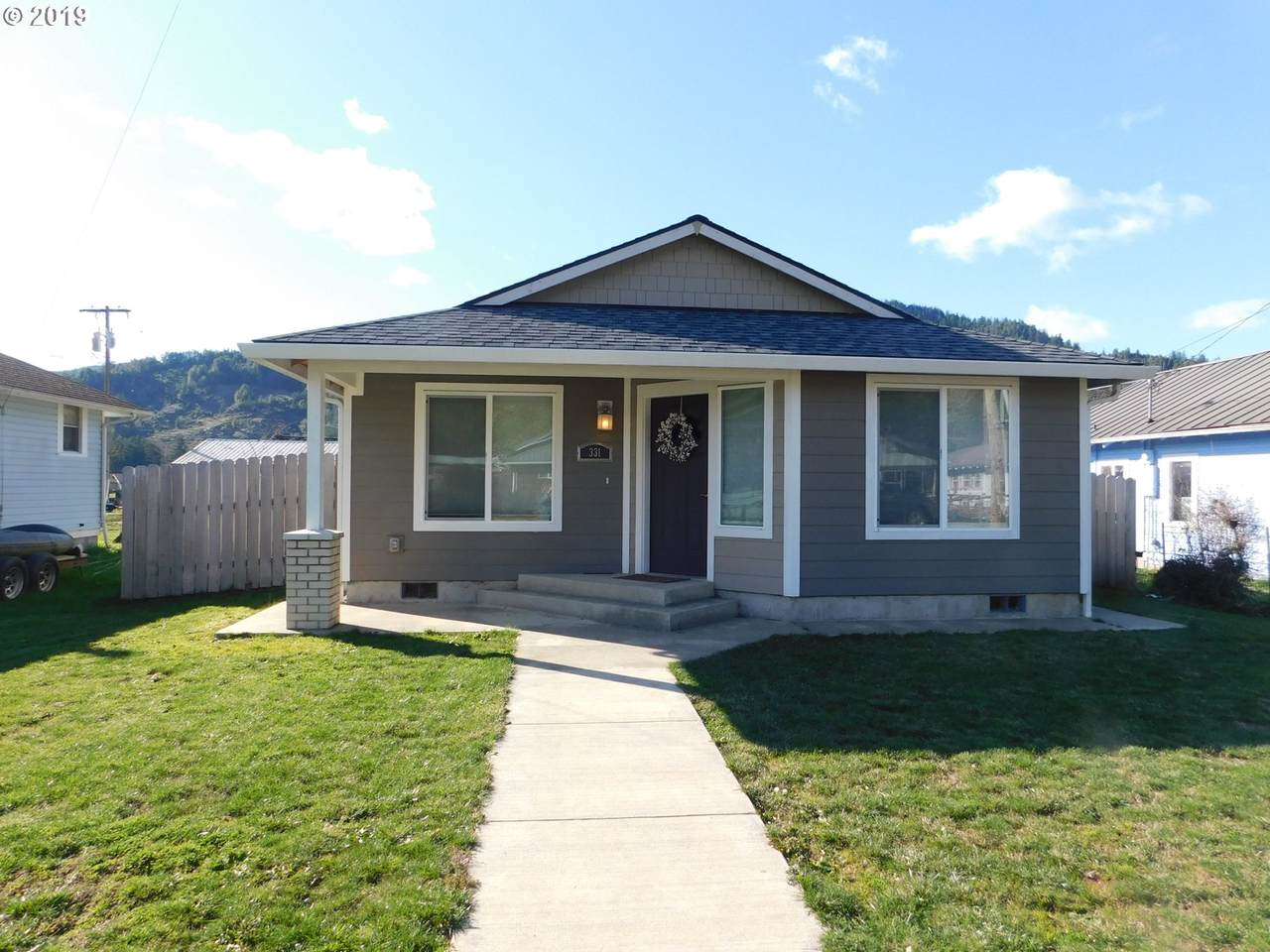 331 4TH Ave - Photo 1