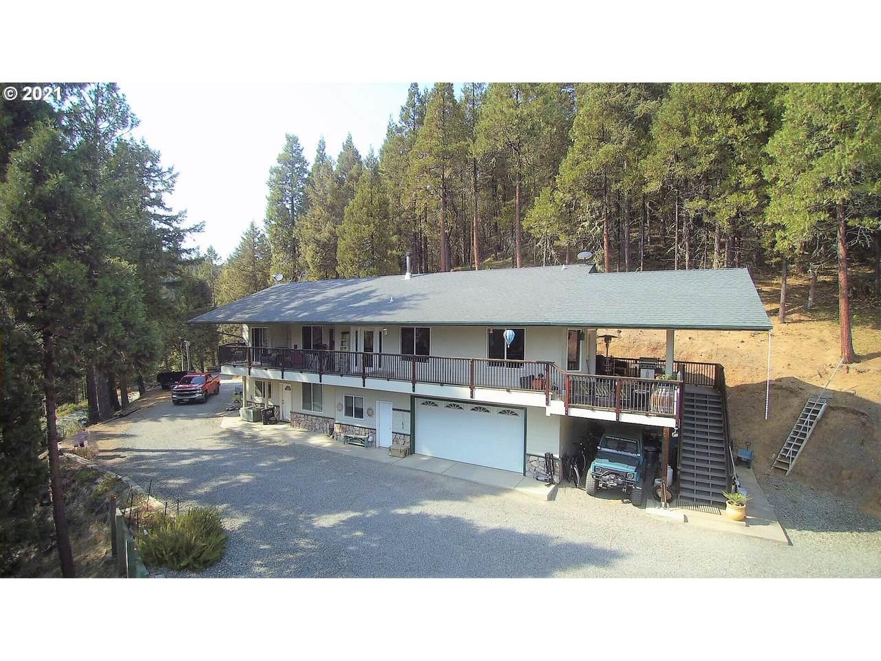 2121 Woods Creek Rd - Photo 1