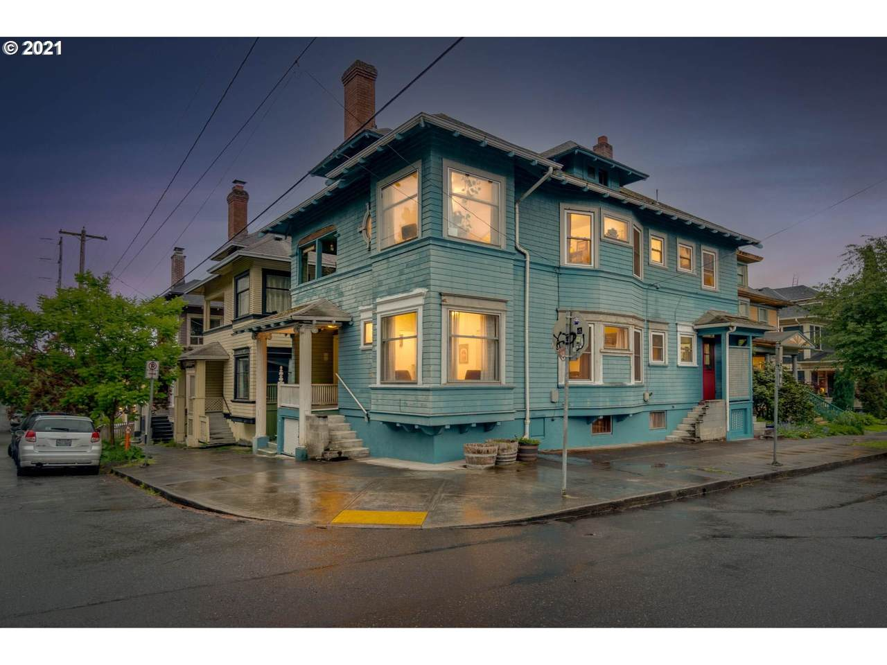 403 15TH Ave - Photo 1