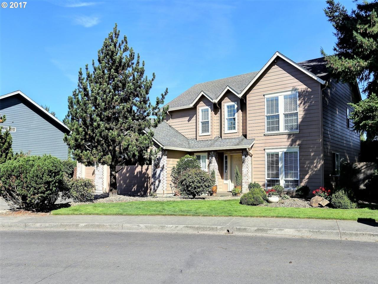 2642 NW Sunset Ct, Camas, WA 98607 (MLS #17514613) :: The Dale Chumbley Group