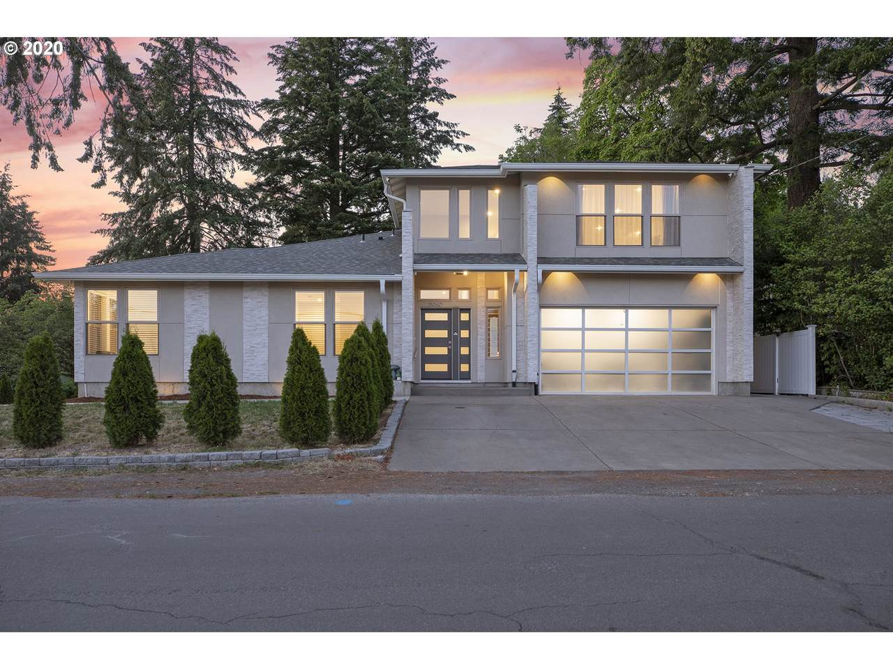 3950 Laurelwood Ave - Photo 1