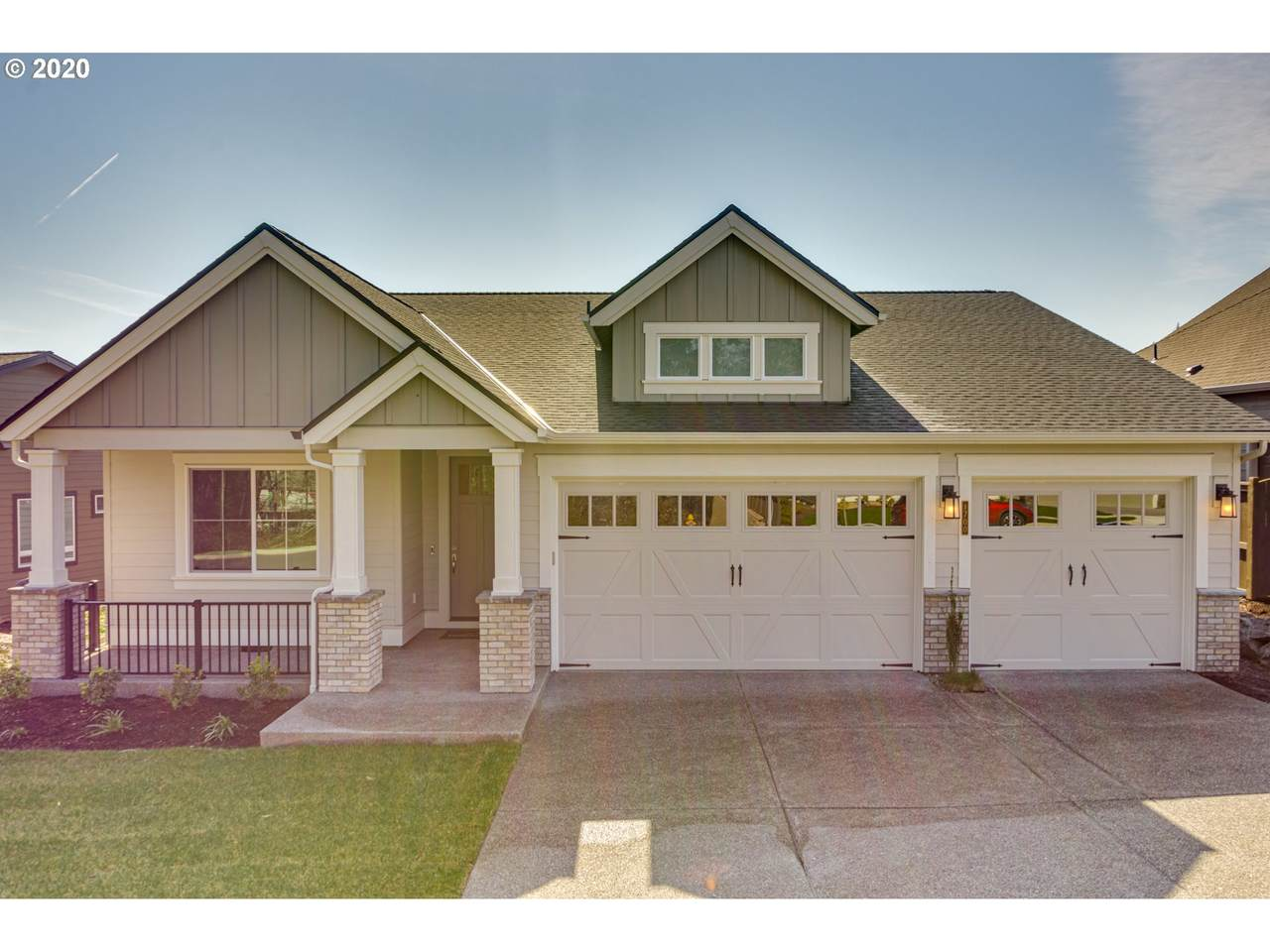 1700 Rolling Hills Dr - Photo 1