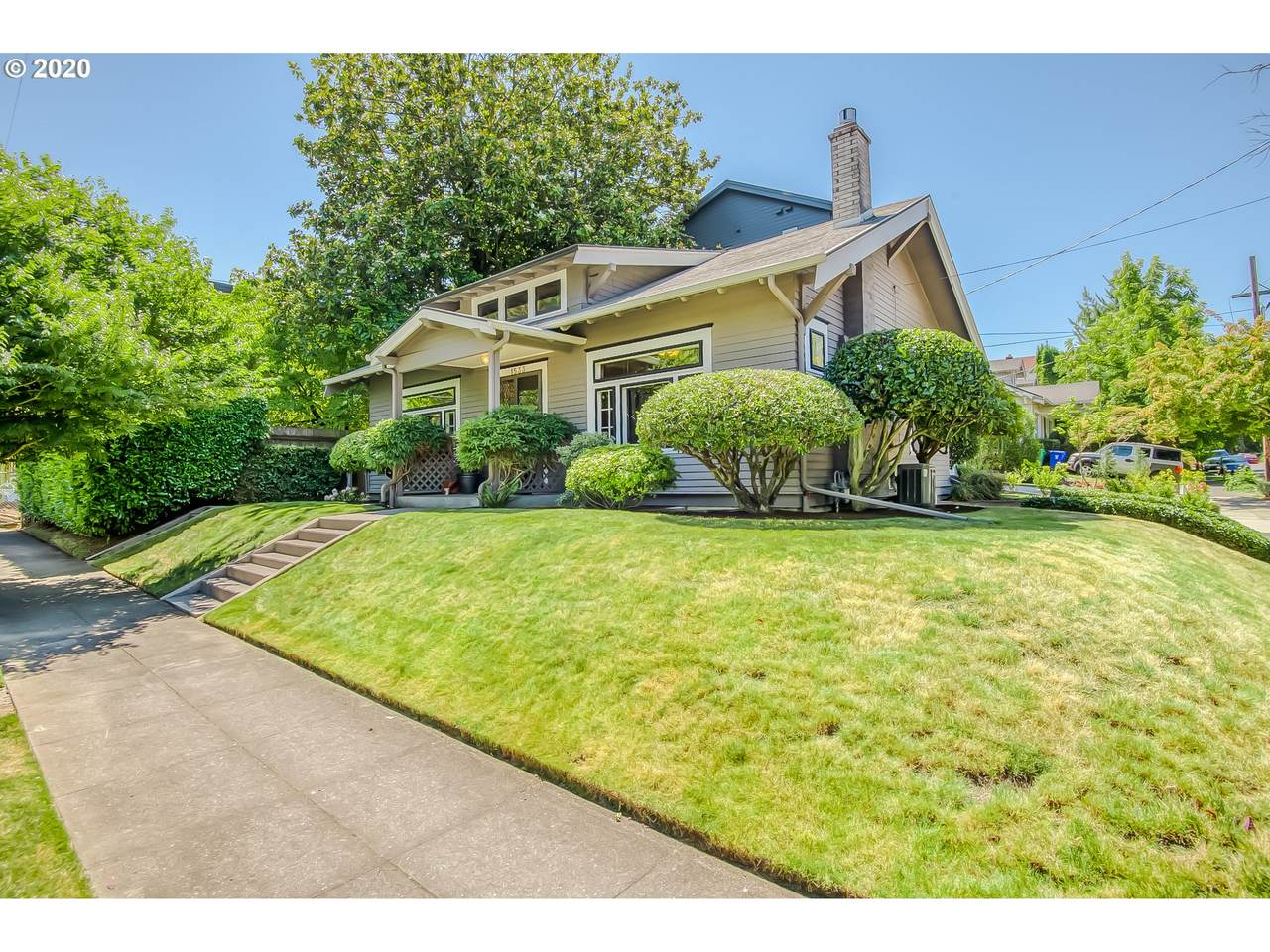 1533 28TH Ave - Photo 1