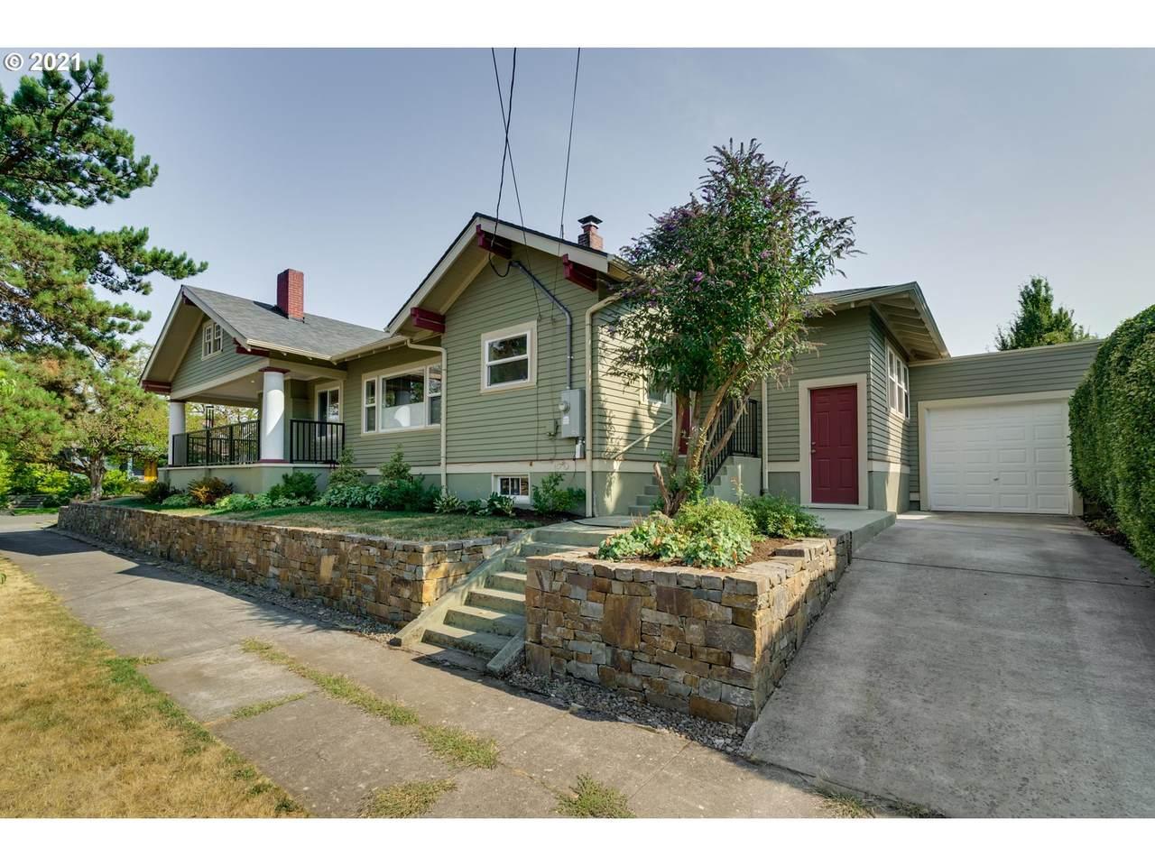 3835 Longview Ave - Photo 1
