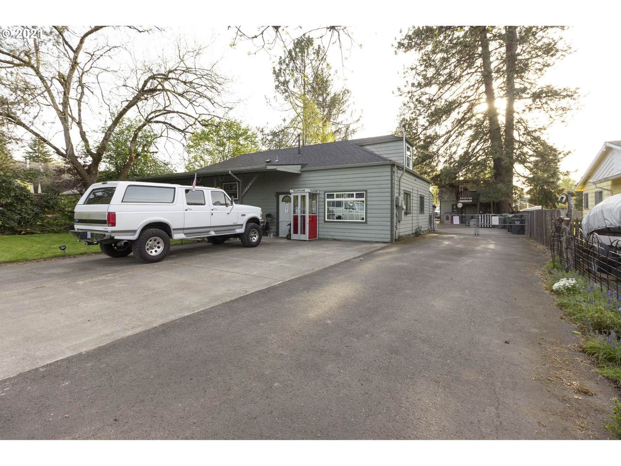 3065 178th Ave - Photo 1