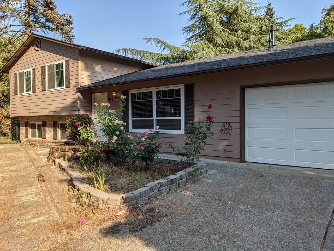 948 174TH Ave - Photo 1