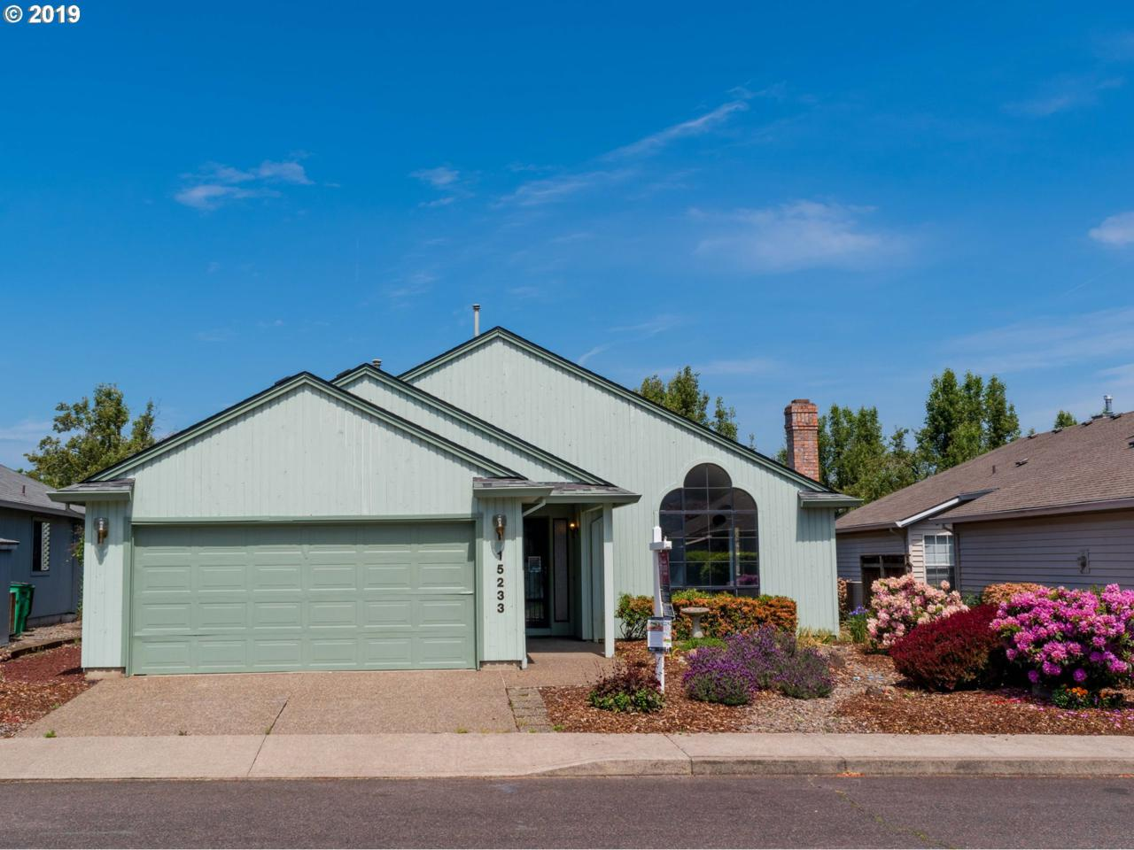 15233 Summerplace Dr - Photo 1