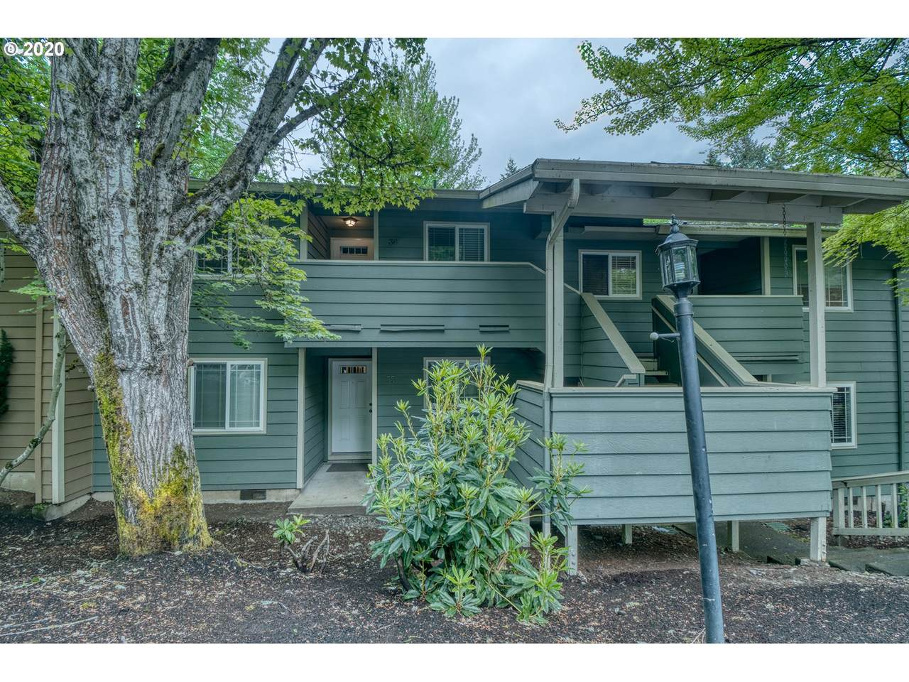 29700 Courtside Dr - Photo 1