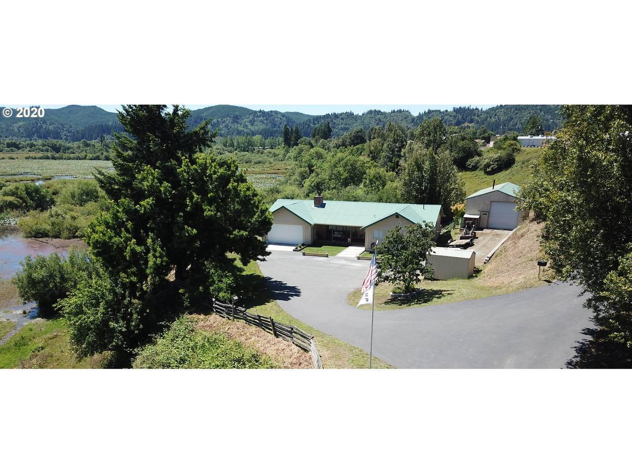 1012 Roseburg Rd - Photo 1