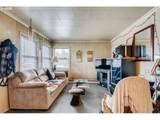 8601 Hamlin Ave - Photo 4