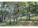 2131 Oak Tree Ln - Photo 18