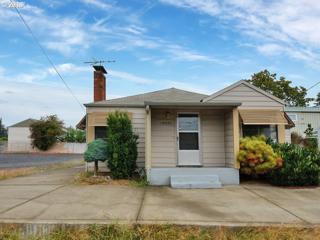 13407 SE Division St, Portland, OR 97236 (MLS #17493765) :: Change Realty