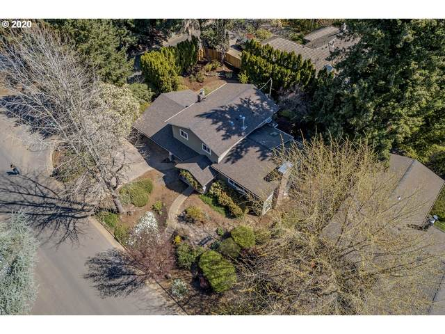 320 NW 95TH Ave, Portland, OR 97210 (MLS #20052393) :: Piece of PDX Team