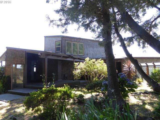 94410 Linda Ln, Gold Beach, OR 97444 (MLS #16467660) :: Premiere Property Group LLC