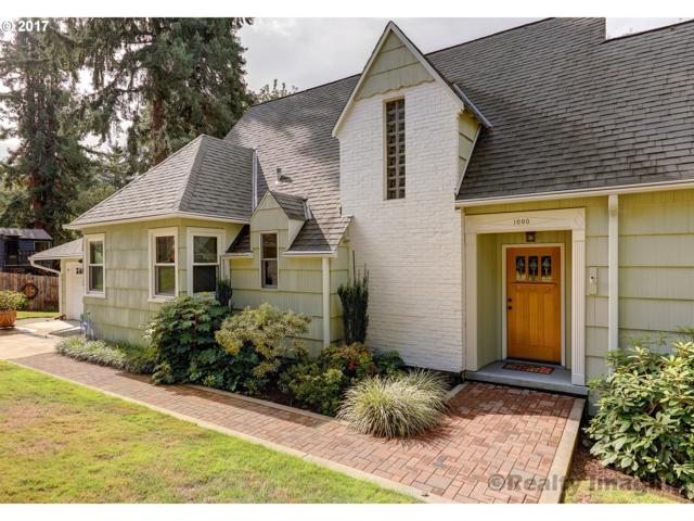 1000 SW Maplecrest Dr, Portland, OR 97219 (MLS #17002866) :: Craig Reger Group at Keller Williams Realty