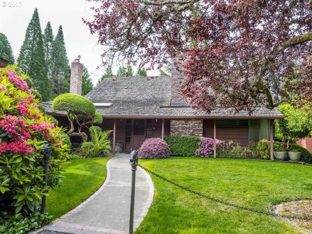 8600 SW Garden Home Rd, Portland, OR 97223 (MLS #17003153) :: Next Home Realty Connection