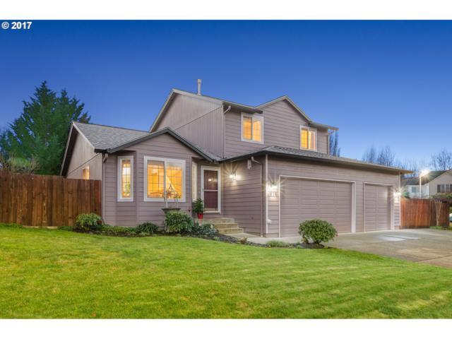 654 E 15TH Cir, La Center, WA 98629 (MLS #17004375) :: Next Home Realty Connection