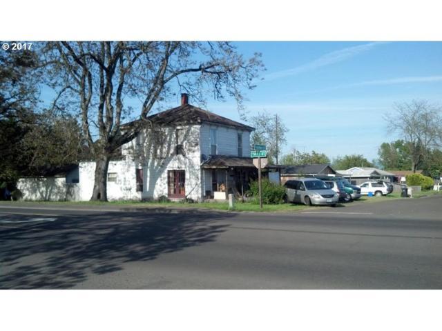 315 Fountain St, Harrisburg, OR 97446 (MLS #17016638) :: Gregory Home Team | Keller Williams Realty Mid-Willamette