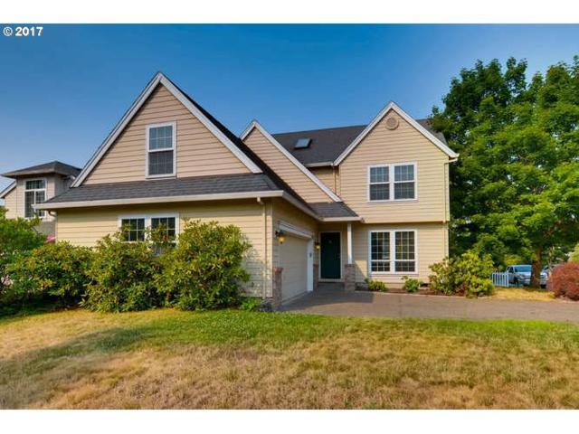 28295 SW Morgan Ct, Wilsonville, OR 97070 (MLS #17020367) :: Beltran Properties at Keller Williams Portland Premiere