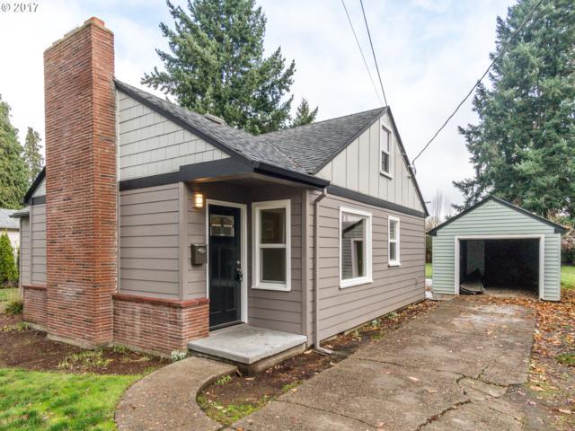 452 SE 8TH Ave, Hillsboro, OR 97123 (MLS #17033220) :: Matin Real Estate