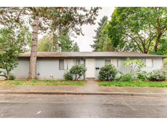 2226 SE Tacoma St, Portland, OR 97202 (MLS #17038375) :: Hatch Homes Group