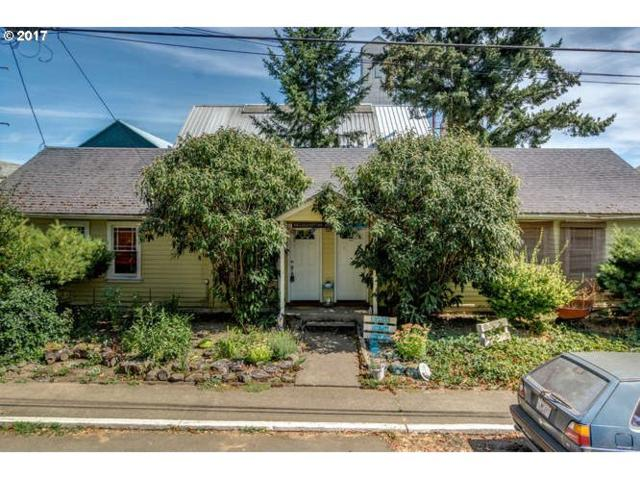 140 S Park St, Carlton, OR 97111 (MLS #17049806) :: Next Home Realty Connection