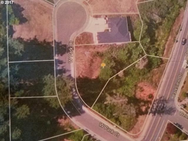 7006 W Park Ct, Brookings, OR 97415 (MLS #17067165) :: Hatch Homes Group