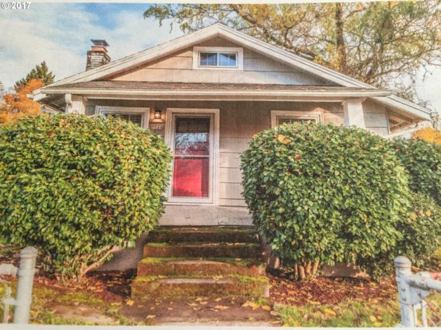 7504 SE Cesar E Chavez Blvd, Portland, OR 97202 (MLS #17067361) :: Matin Real Estate