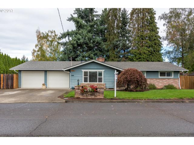 290 SW 7TH Ave, Canby, OR 97013 (MLS #17071068) :: Fox Real Estate Group