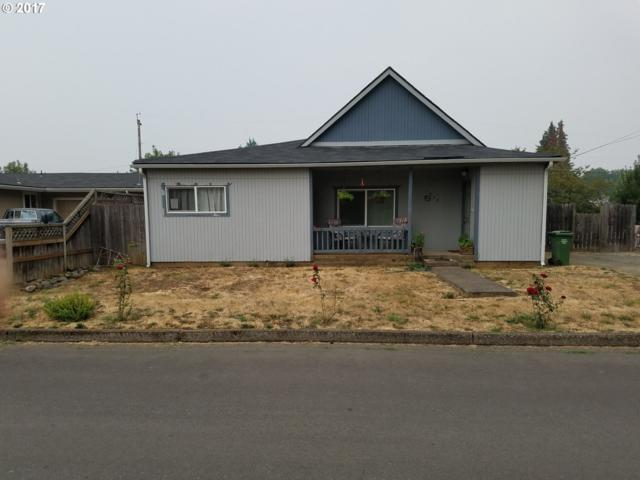 1032 Tyler Ave, Cottage Grove, OR 97424 (MLS #17119948) :: The Reger Group at Keller Williams Realty