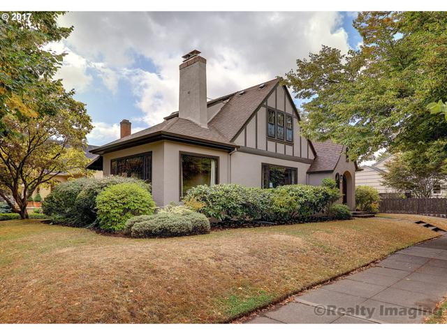 2828 NE Stanton St, Portland, OR 97212 (MLS #17122583) :: Hatch Homes Group