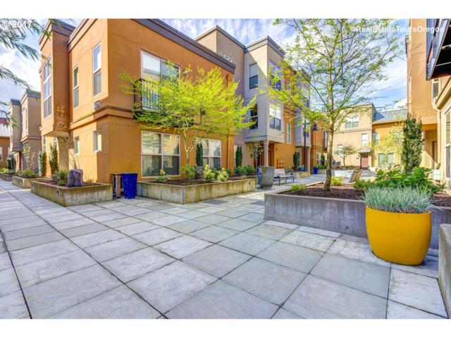 6237 NE Carillion Dr, Hillsboro, OR 97124 (MLS #17130578) :: HomeSmart Realty Group Merritt HomeTeam
