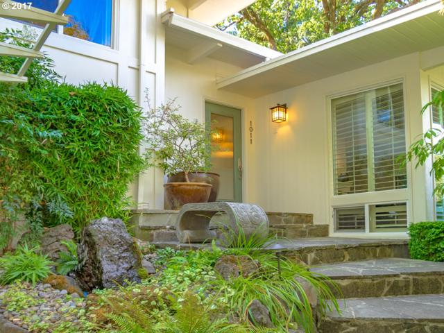 1011 Lake Shore Rd, Lake Oswego, OR 97034 (MLS #17139622) :: Fox Real Estate Group