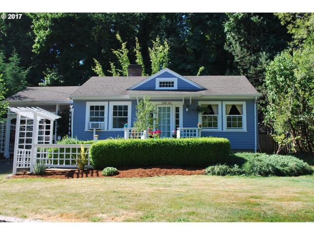 3142 SW Spring Garden St, Portland, OR 97219 (MLS #17160457) :: Hatch Homes Group
