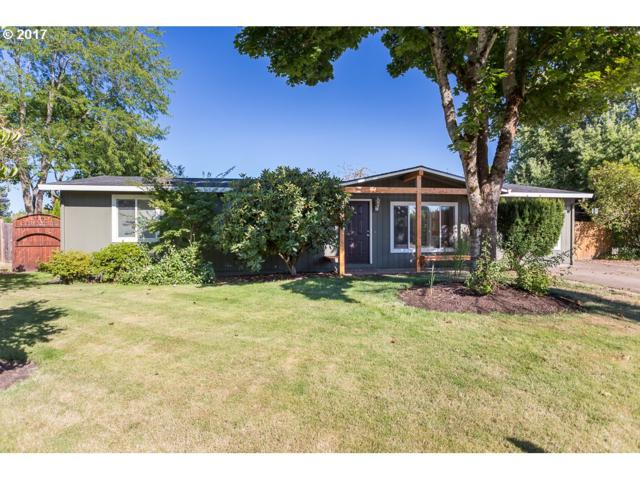 1030 SE 24TH Ave, Hillsboro, OR 97123 (MLS #17163181) :: Fox Real Estate Group