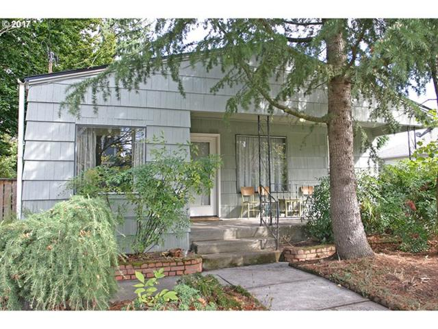 8958 N Clarendon Ave, Portland, OR 97203 (MLS #17171587) :: SellPDX.com