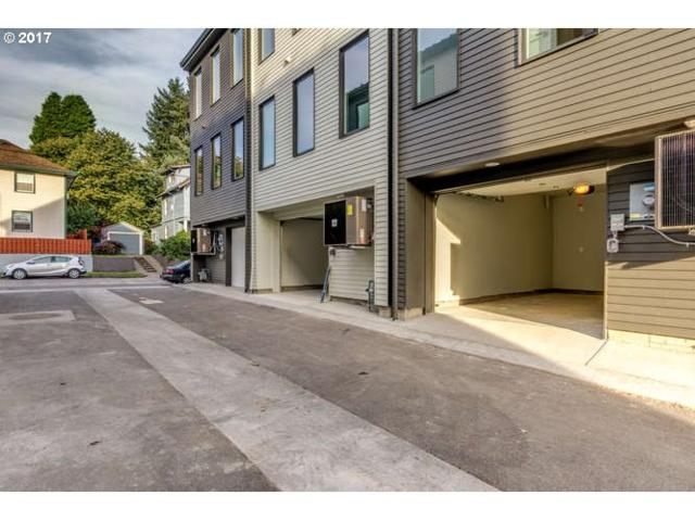 6644 SE 16TH Ave, Portland, OR 97202 (MLS #17188438) :: Hatch Homes Group