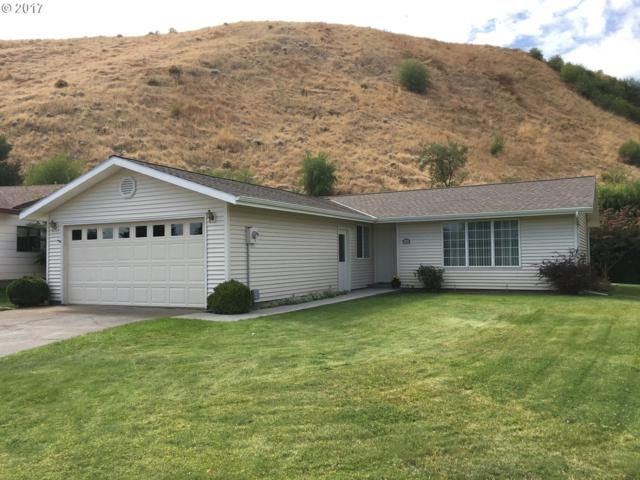 75 S Andrea St, Milton-Freewater, OR 97862 (MLS #17197127) :: Hatch Homes Group