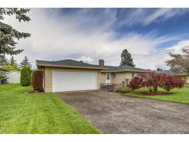 14237 NE Knott St, Portland, OR 97230 (MLS #17205954) :: SellPDX.com