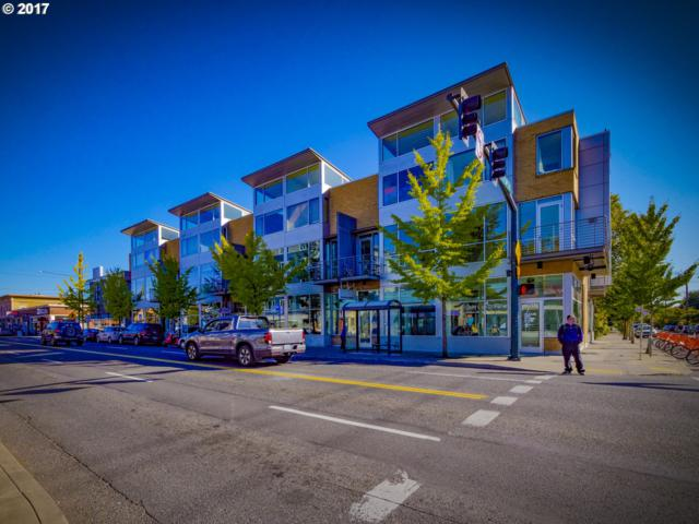 1510 SE 34TH Ave #205, Portland, OR 97214 (MLS #17226376) :: Hatch Homes Group