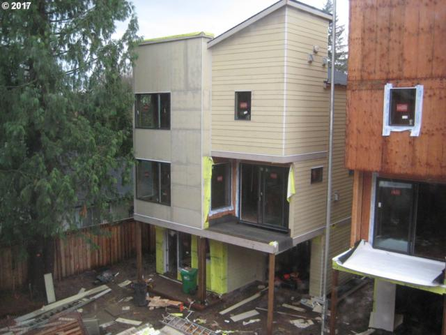 10411 SW 46TH Pl, Portland, OR 97219 (MLS #17228335) :: TLK Group Properties