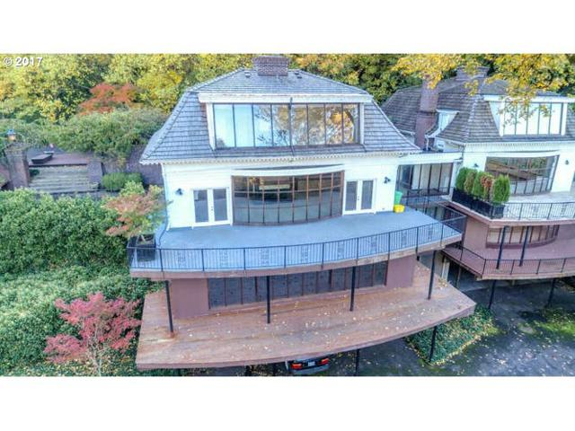 3621 SW Humphrey Blvd, Portland, OR 97221 (MLS #17300045) :: Hatch Homes Group