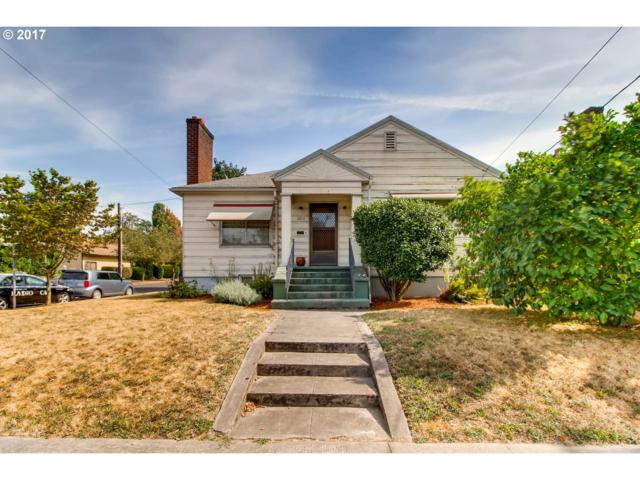 2604 SE 20TH Ave, Portland, OR 97202 (MLS #17305125) :: Hatch Homes Group
